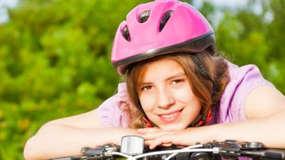 How do I know if my bike helmet is too small?